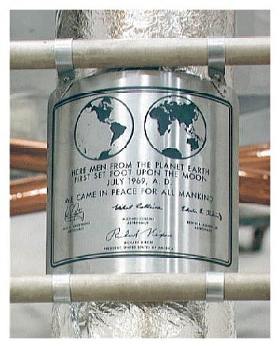 La plaque de la mission Apollo 11