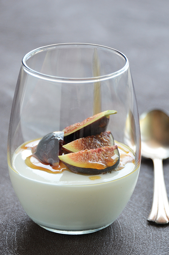 Yogurt Mousse with Honey and Fresh Figs