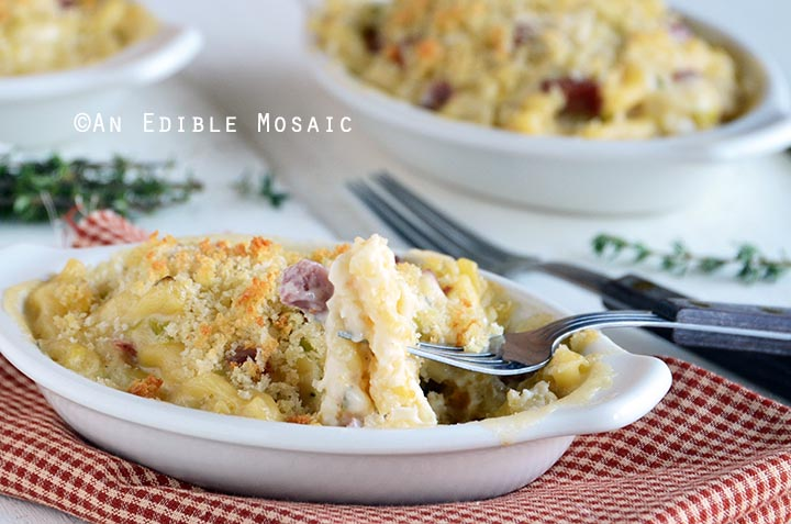 smoky-white-cheddar-mac-and-cheese-with-leeks-3