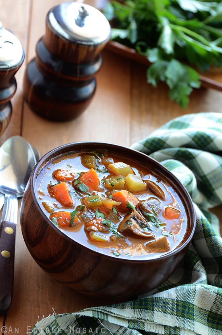 Hearty Garlic and Herb Mushroom Stew 2