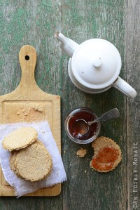 Scottish Oatcakes Recipe {Plus a Q&A with Bob's Red Mill Founder Bob Moore and a $100 Bob's Red Mill Gift Card Giveaway}