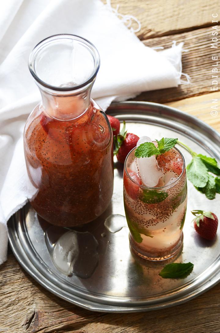 Strawberry Chia Seed Iced Green Tea 4