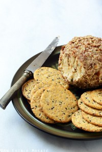 French Onion Soup Cheese Ball