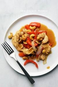30-Minute Thai-Inspired Cashew Chicken Skillet Supper {Paleo}
