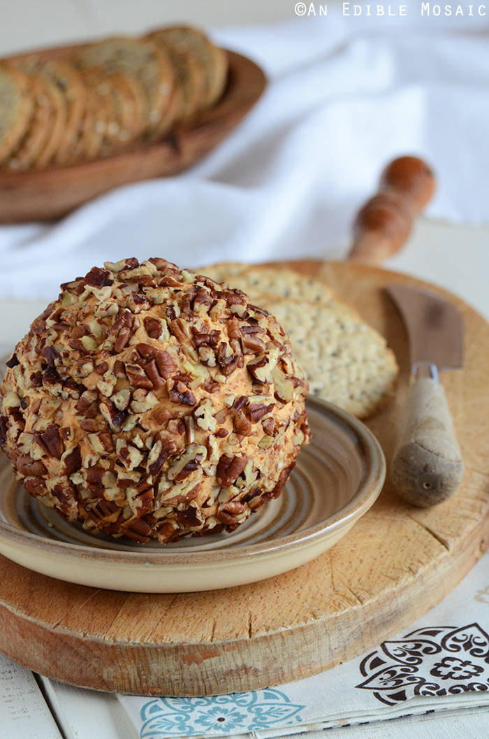 cheddar-cheese-ball-appetizer