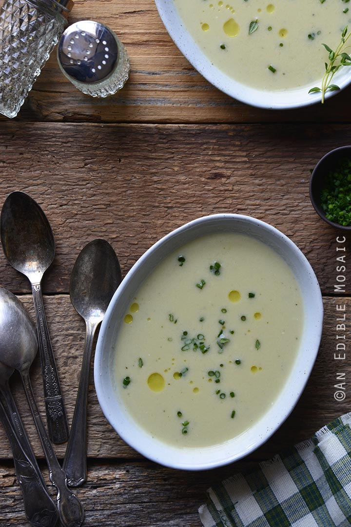 creamy-garlic-and-chive-white-bean-chowder-with-leeks-gluten-free-1