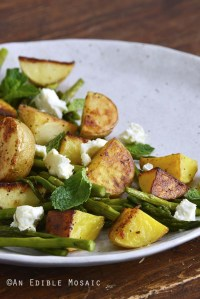 Garlic Roasted New Potato and Asparagus Salad {#BrunchWeek}