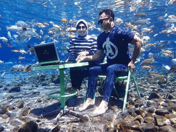 Kerja depan laptop