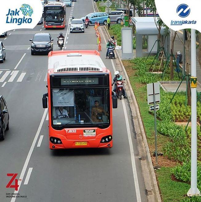 Salah satu bus TransJakarta