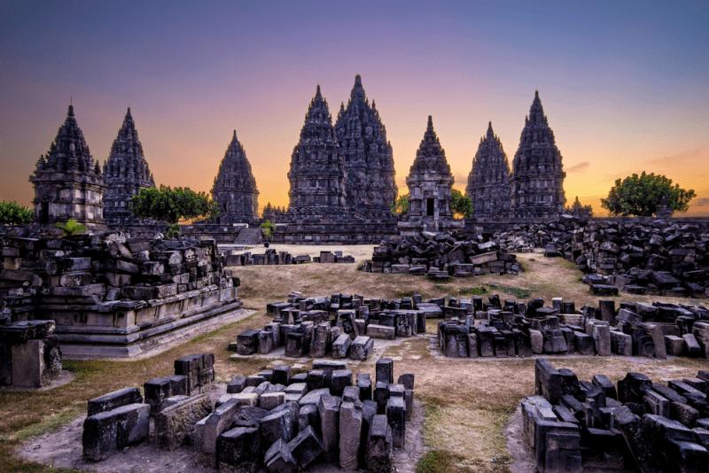 Candi Prambanan saat sunset