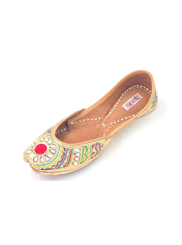 Kundan & Colourful Embroidered Punjabi Jutti