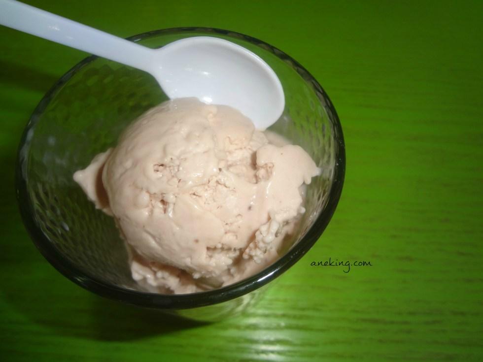 Haley Berry liquid nitrogen ice cream
