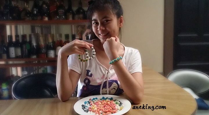 how to make beads and bracelet out of cornstarch