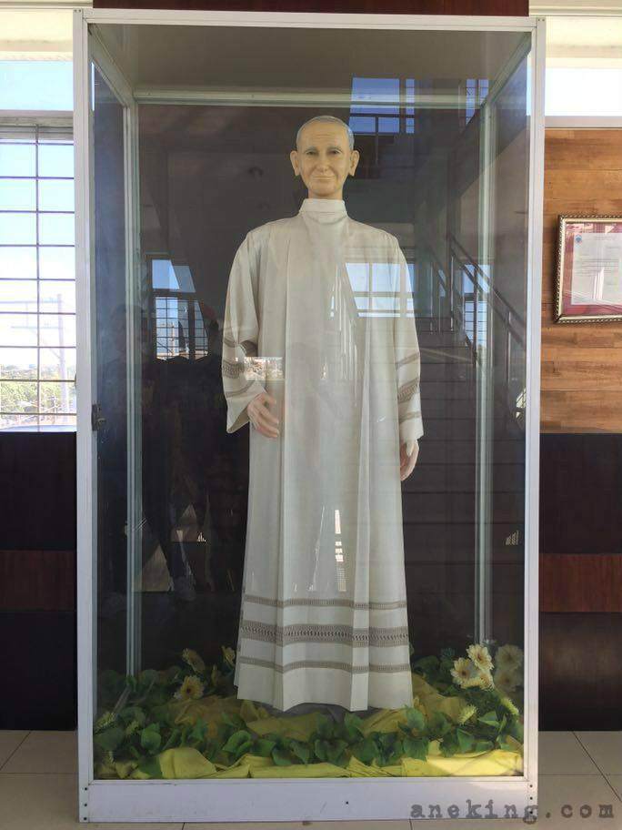 4 Pope John Paul II tower Statue