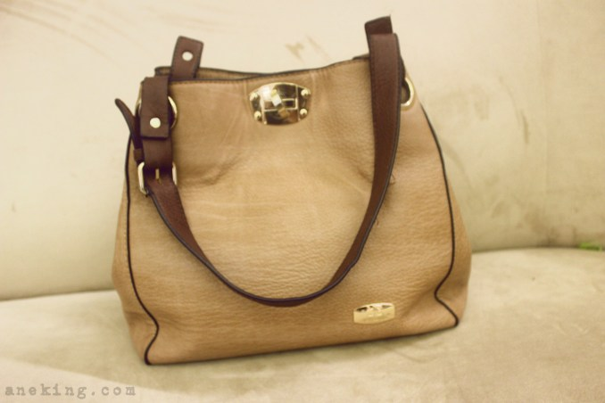 Jovanni brown handbag