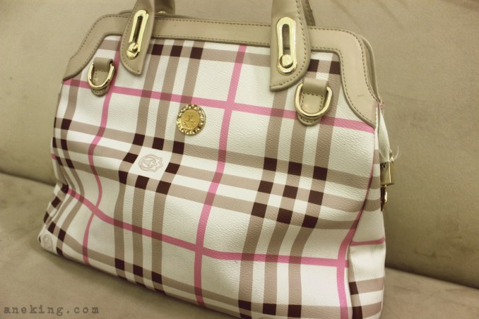 Jovanni plaid handbag