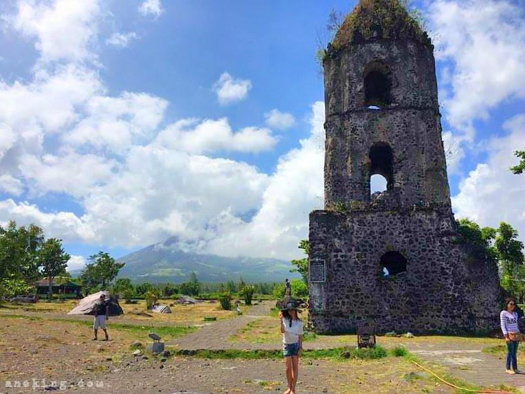 cagsawa-ruins-and-mayon-volcano