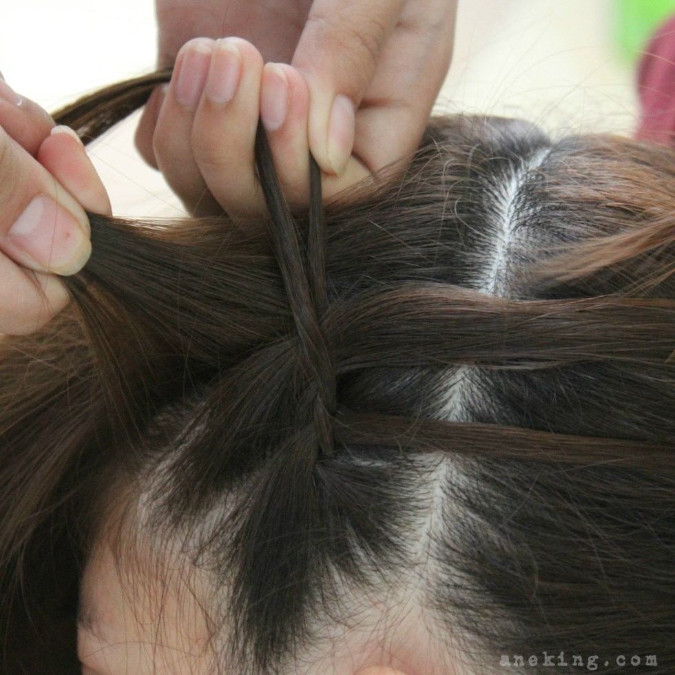 waterfall-braid-headband-step-7