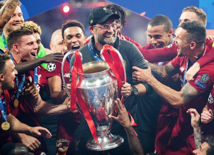 MADRID, SPAIN - JUNE 01: Jurgen Klopp, Manager of Liverpool celebrates with the Champions League Trophy after winning the UEFA Champions League Final between Tottenham Hotspur and Liverpool at Estadio Wanda Metropolitano on June 01, 2019 in Madrid, Spain.