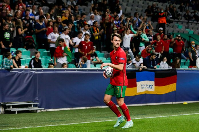LJUBLJANA, SLOVENIA - JUNE 06: (BILD ZEITUNG OUT) Fabio Vieira of Portugal controls the ball during the 2021 UEFA European Under-21 Championship Final match between Portugal and Germany at Stadion Stozice on June 6, 2021 in Ljubljana, Slovenia.