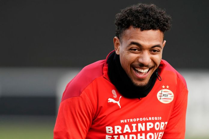 EINDHOVEN, NETHERLANDS - NOVEMBER 25: Donyell Malen of PSV during the Training PSV at the De Herdgang on November 25, 2020 in Eindhoven Netherlands (Photo by Edwin van Zandvoort/Soccrates/Getty Images)