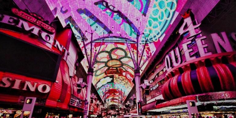 Freemont Street, la calle de los 12 millones de LEDs