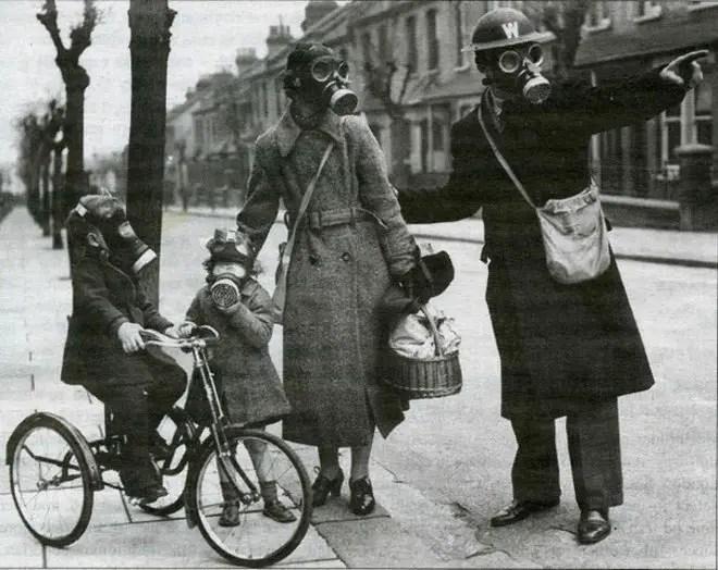 Familia británica de la segunda guurra mundial.