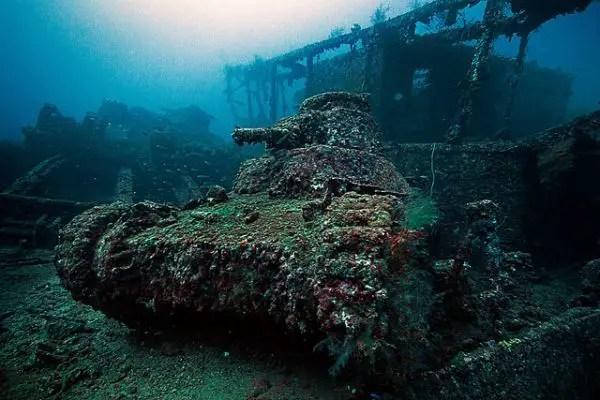 Restos sumergidos de la base del lago Truk, la venganza por Pearl Harbor.