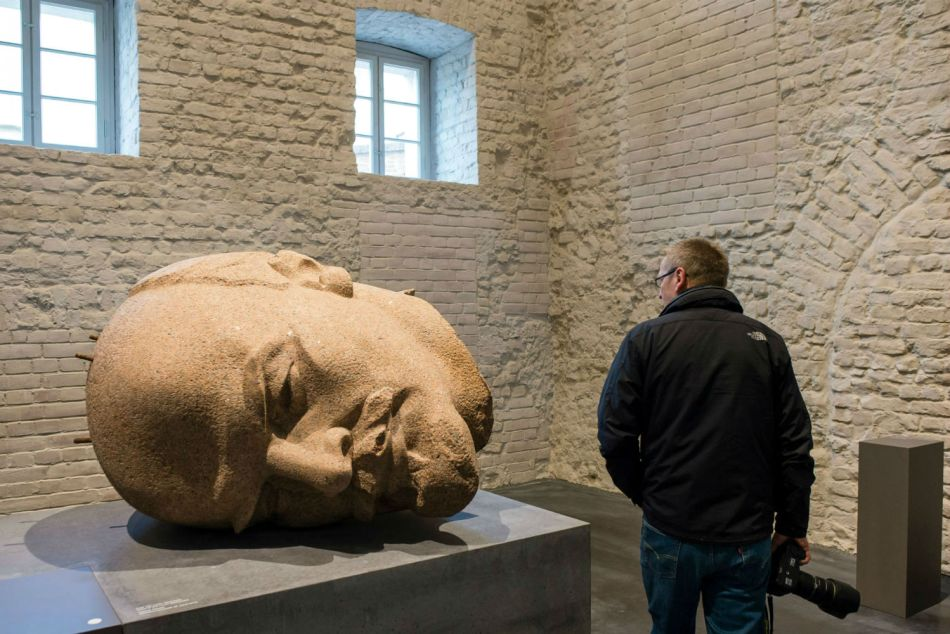 Fotografía del busto de Vladimir Lenin.