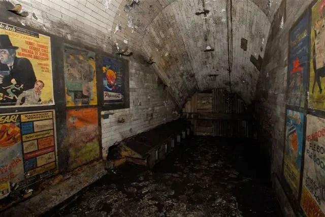 Fotografía de los carteles de la estación Notting Hill