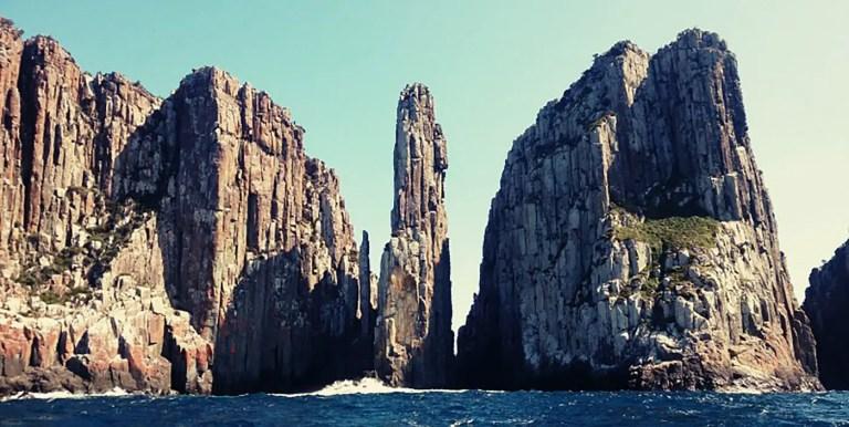 Escalando uno de los pilares de roca más altos del mundo