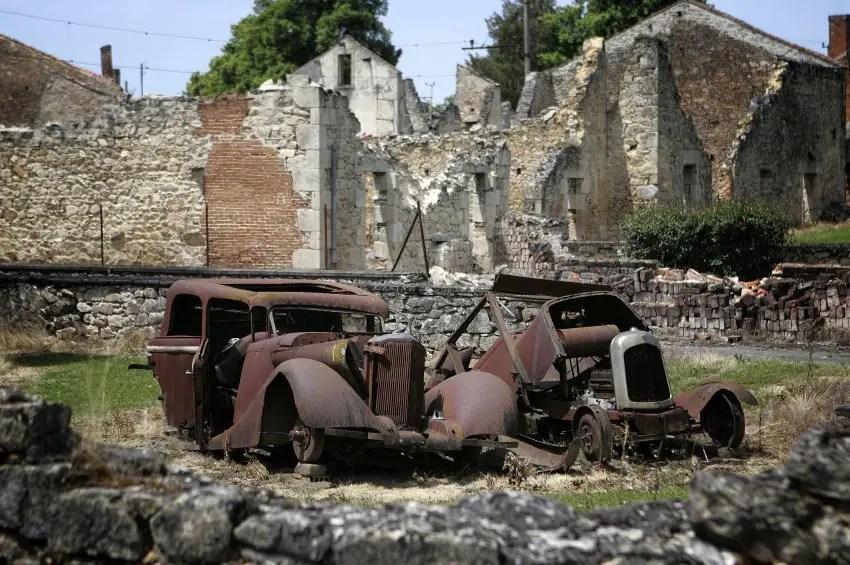 Fotografía de la destrucción dejada en Oradour-sur-Glane.