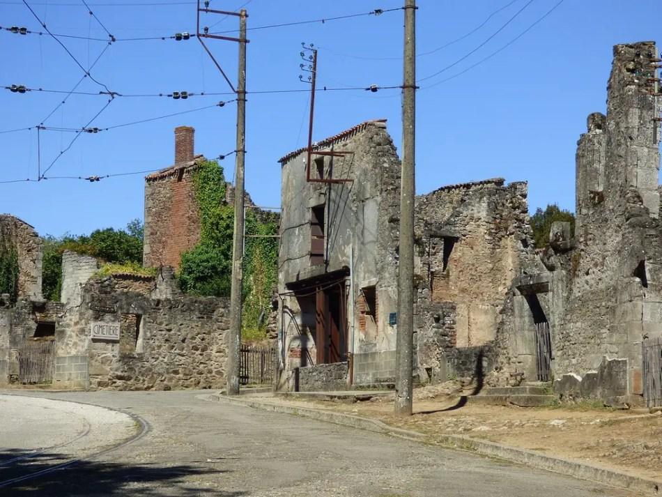 Footografía de las ruinas de Ruinas de Oradour-sur-Glane.