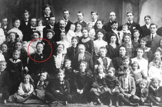 Fotografía de una gran familia.