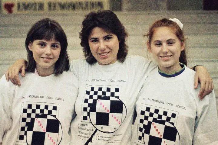 Fotogrtafía de las hermanas Polgár.