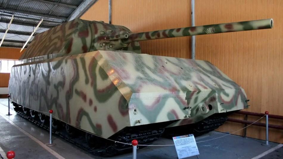 Fotografía de un Panzerkampfwagen VIII Maus en un museo.