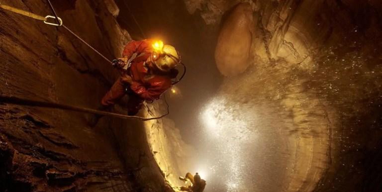 La caverna más profunda del mundo, la peligrosa caverna Krubera