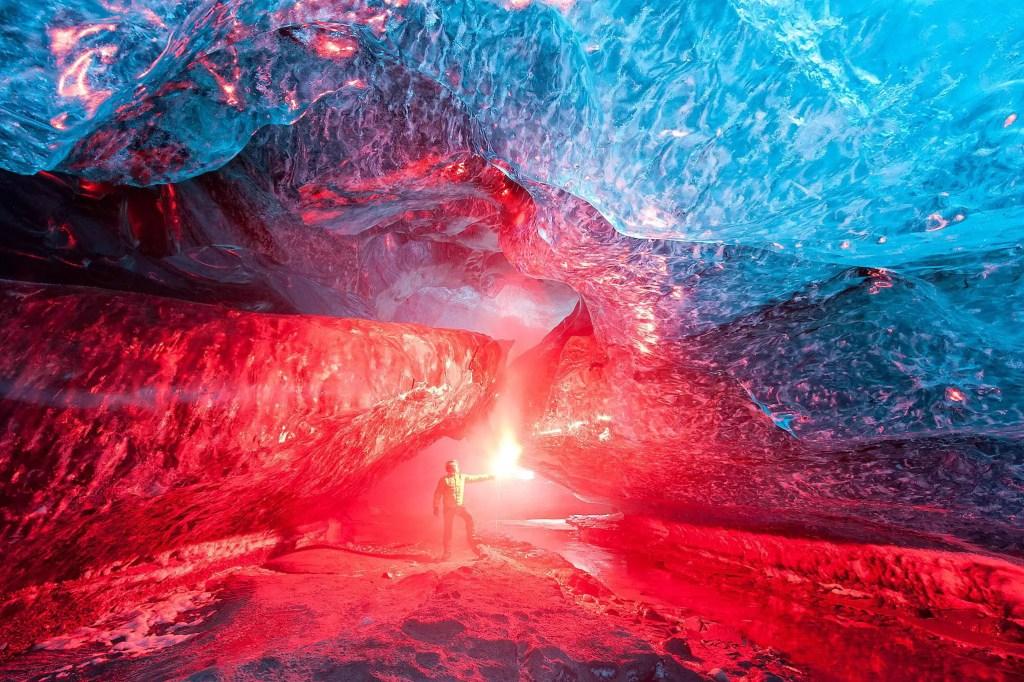 Bengalas dentro de cavernas.