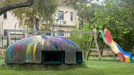 Una de las tantas estructuras defensivas de Alabania hoy convertidos en una instalación artística.