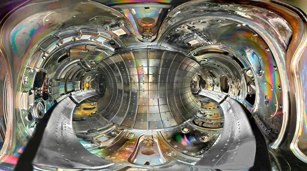 Fotografía del interior del reactor TFTR.