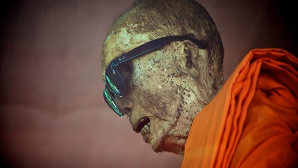 Fotografía de un monje Sokushinbutsu.