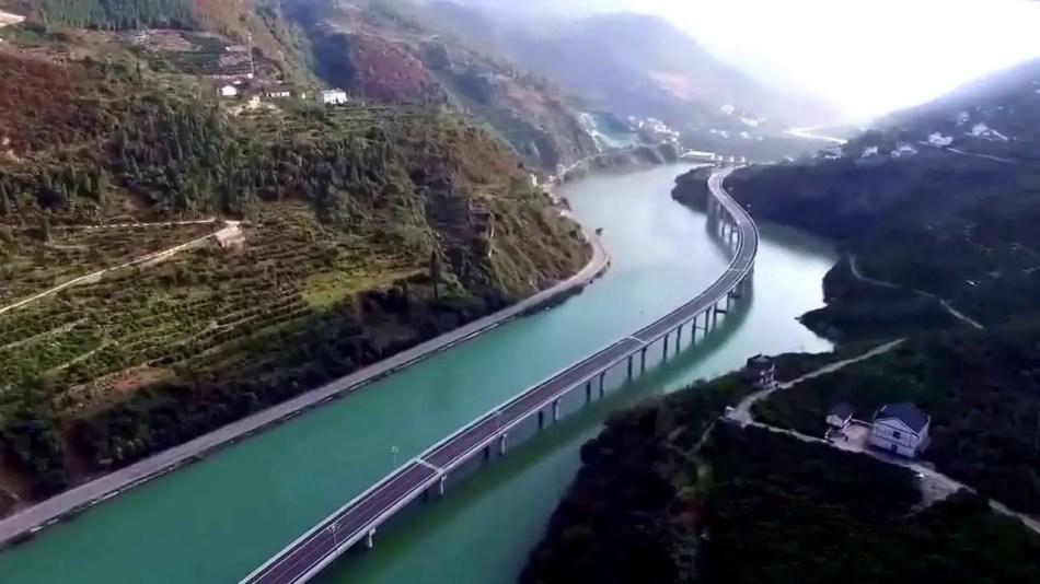 Fotografía aérea de una autopista acuática en China.