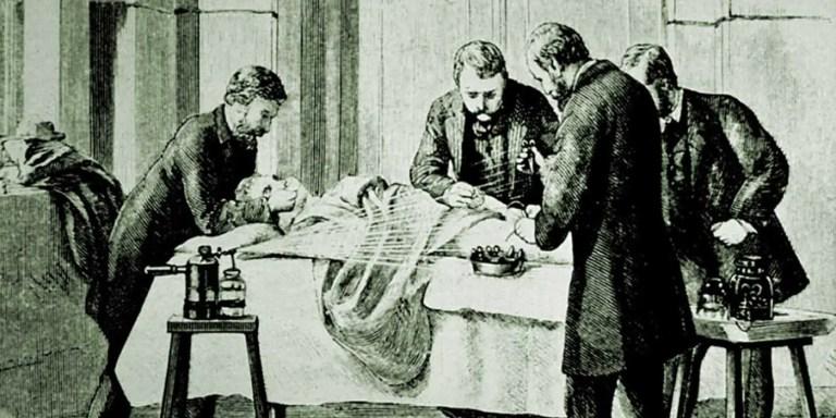 La mujer que debió convertirse en hombre para ejercer la medicina