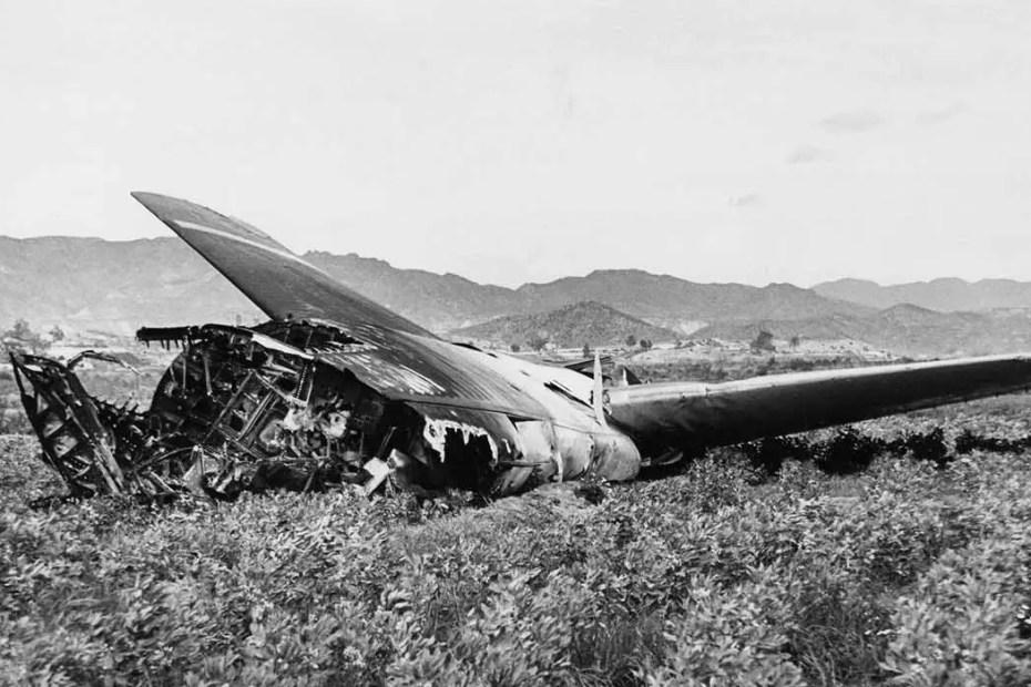 Restos del bombardero que arrojó dos bombas nucleares sobre España.