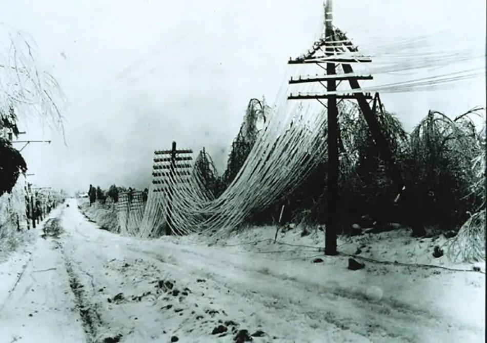 Fotografía del resultado de la gran tormenta de nieve en Canadá de 1998.
