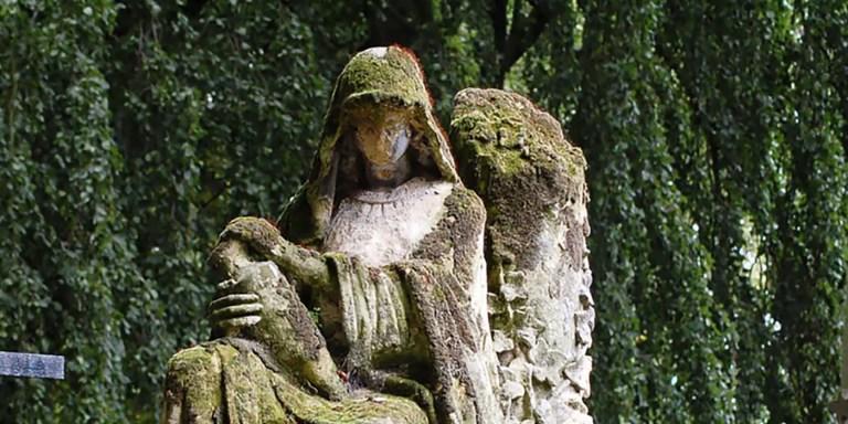 La aterradora tumba sin rostro del cementerio de Brugge
