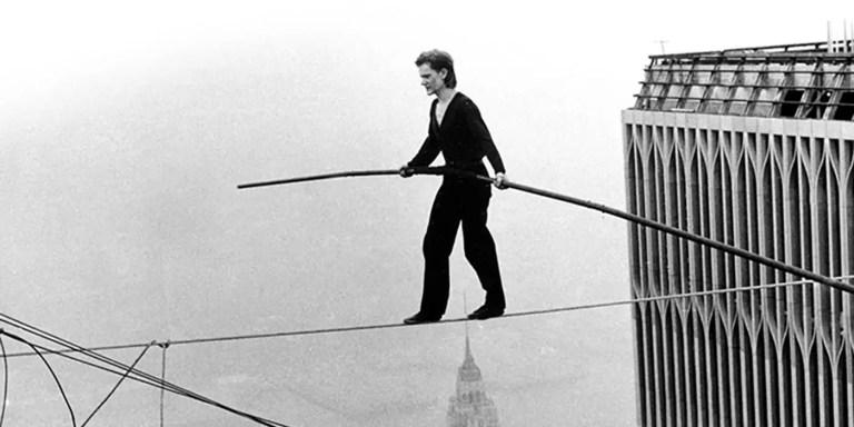 El día que Philippe Petit cruzó las Torres Gemelas en cuerda floja