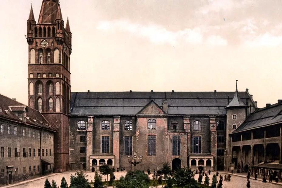 Patio interior del castillo Königsberg, uno de los más emblemáticos castillos prusianos.