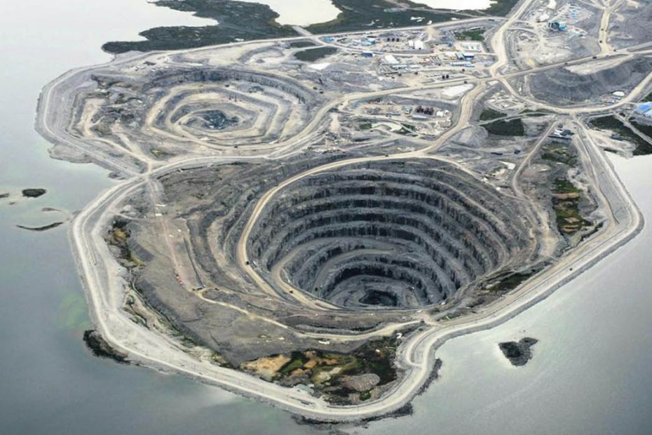 La mina de diamantes de Diavik vista desde el aire.