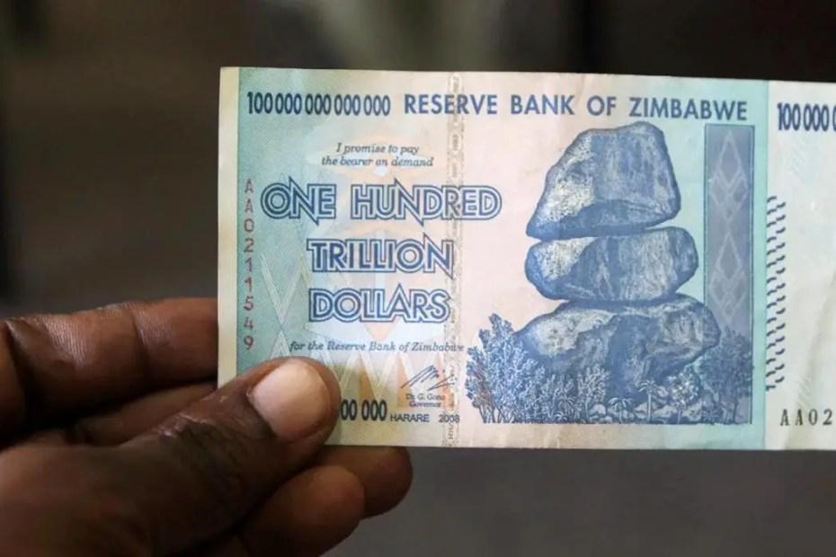 Billete de Zimbabwe de un trillón de dólares zimbawuenses. La mayor inflación en la historia.